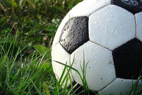 como hacer un balon de futbol casero